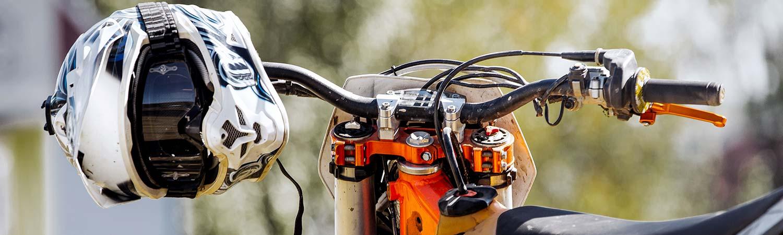 Un divertimento, un medio de transporte o una forma de hacer deporte; independientemente de su uso, tu moto de campo debe cumplir con la ley